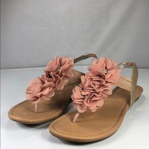 [198] Material Girl 8 M Womens Sandals